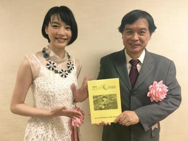 画像: のんさんと片渕須直監督