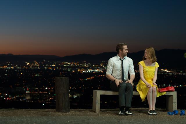 画像3: © 2017 Summit Entertainment, LLC. All Rights Reserved. Photo credit:  EW0001: Sebastian (Ryan Gosling) and Mia (Emma Stone) in LA LA LAND.Photo courtesy of Lionsgate.