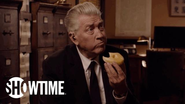 画像: Twin Peaks | David Lynch Returns as Gordon Cole | SHOWTIME Series (2017) youtu.be
