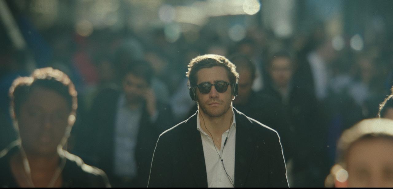 """画像2: ジェイク・ギレンホールが街中で踊りまくる!""""解放と狂気""""を表現した演技『雨の日は会えない、晴れた日は君を想う』スペシャル映像ー"""
