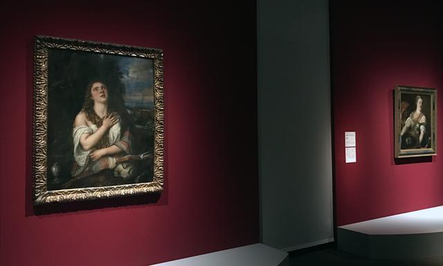 画像: 左:ティツィアーノ・ヴェチェッリオ 《マグダラのマリア》 1567 年、油彩、カンヴァス、122×94 cm、ナポリ、カポディモンテ美術館 photo©cinefil