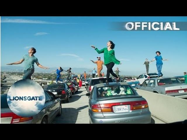 "画像: La La Land - Behind the Scenes ""Traffic"" - In Cinemas Now youtu.be"