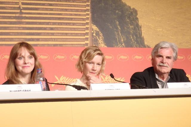 画像: 左からマーレン・アーデ監督、サンドラ・フラー、ペーター・シモニシェック Photo by Yoko KIKKA