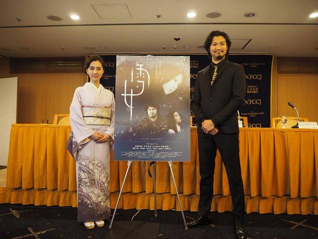画像: Q.劇中の、成人の儀式で用いられる歌は日本の古典を参照しているのか。