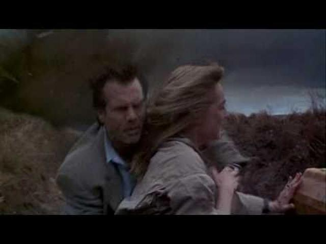 画像: Twister (1996) - Original Trailer youtu.be