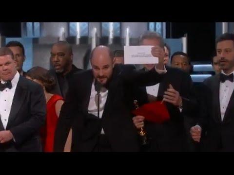 画像: Oscars Mistake: Moonlight Wins Best Picture after La La Land Mistakenly Announced   ABC News youtu.be