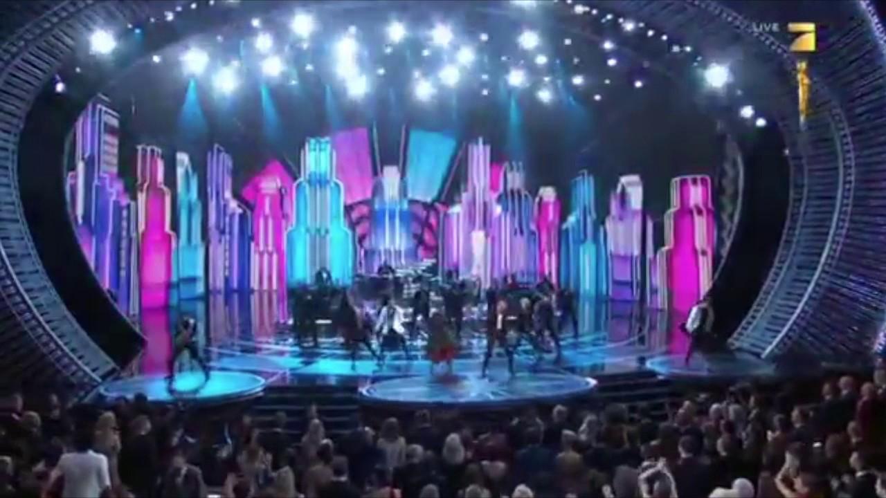 """画像: Justin Timberlake Oscar Performance """"Can't Stop The Feeling"""" (Oscars 2017) youtu.be"""