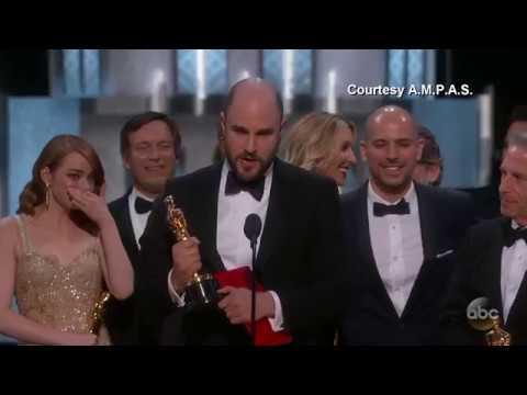 画像: 'Moonlight' or 'La La Land'? Best Picture Mix-up at Oscars youtu.be