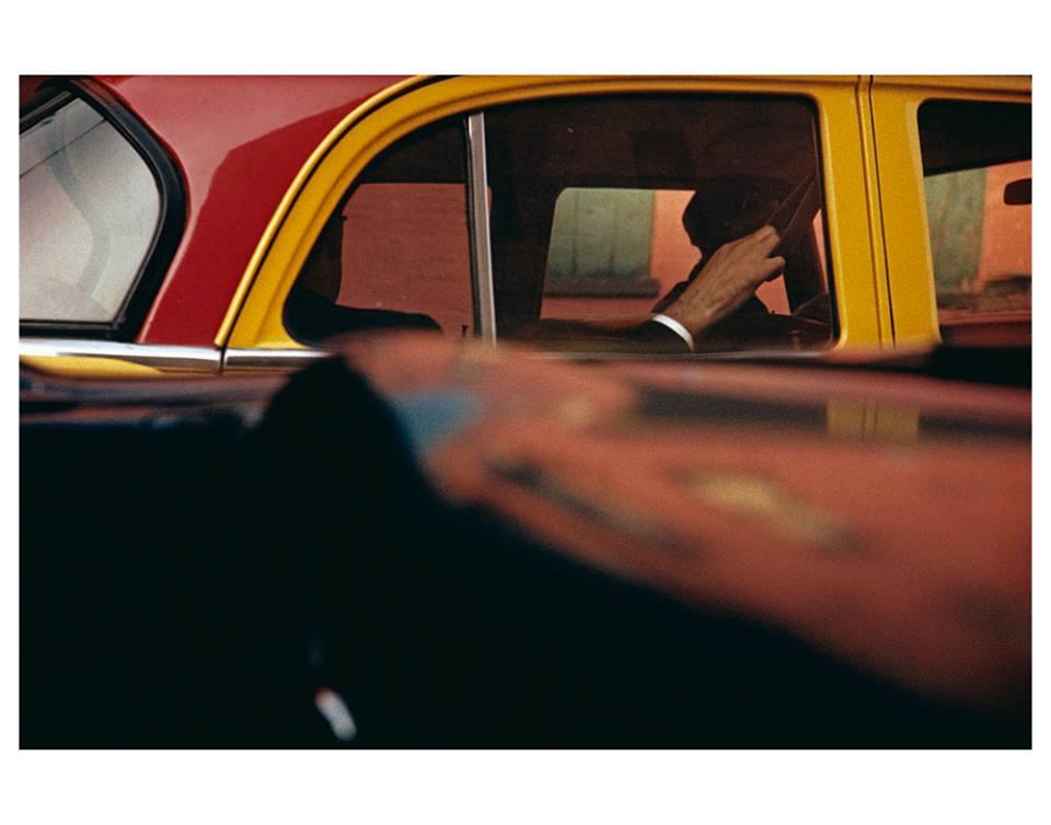 """画像: """"Taxi""""  1957  ©Saul Leiter Estate"""