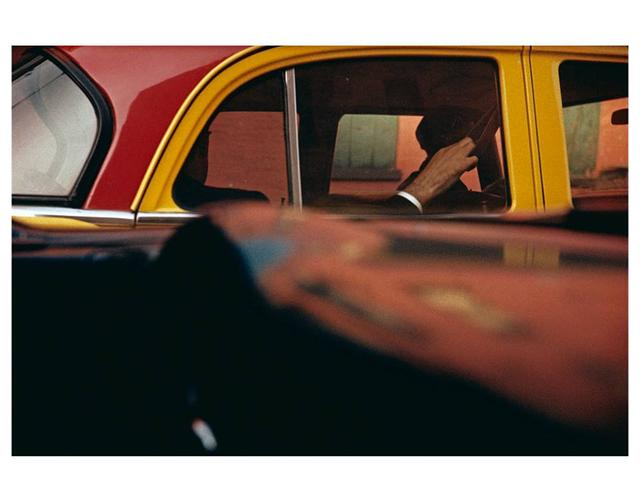 "画像: ""Taxi""  1957  ©Saul Leiter Estate"
