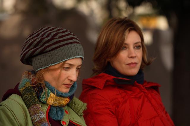 画像3: イタリアを代表する俳優ふたりの演じる中年夫婦の機微を『ベニスで恋して』『風の痛み』のソルディーニ監督が見事に演出。