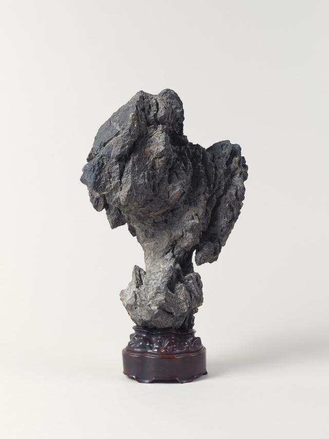画像: 太湖石置物