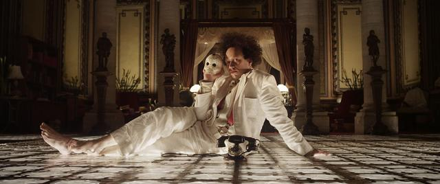 画像: Eisenstein in Guanajuato - Official Trailer - By Peter Greenaway youtu.be