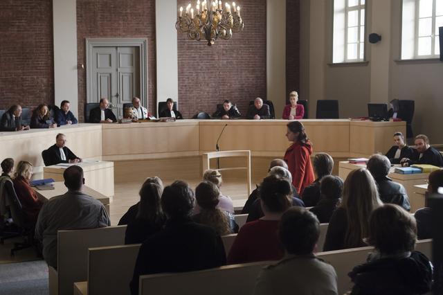 画像2: 「熟年の淡い恋」と「法廷劇」2つの物語が巧みに絡み合いながら描かれる、上質な大人のラブストーリー。