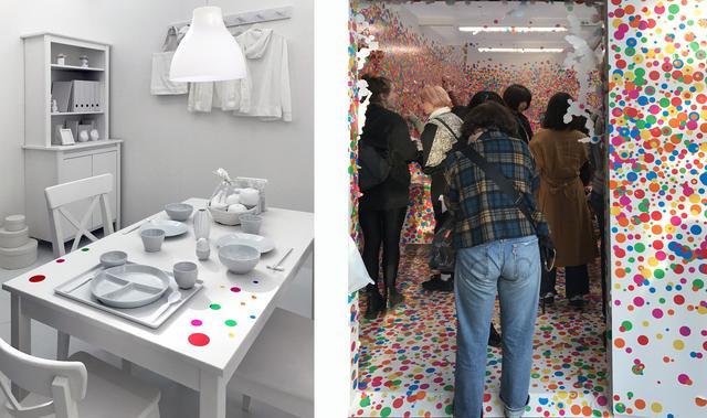 画像: 会場風景 来場者が水玉のシールを貼って真っ白い部屋に色をつけていく《オブリタレーションルーム》 開始時は左の様子から4月には右の姿へ。 photo©cinefil