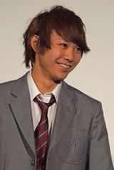 画像: 須賀健太さん