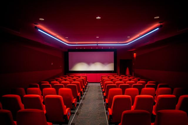 画像: Step Inside The Newly Renovated Quad Cinema, NYC's Original Multiplex