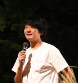 画像: 湯布院映画祭においてスピーチする佐藤快磨監督