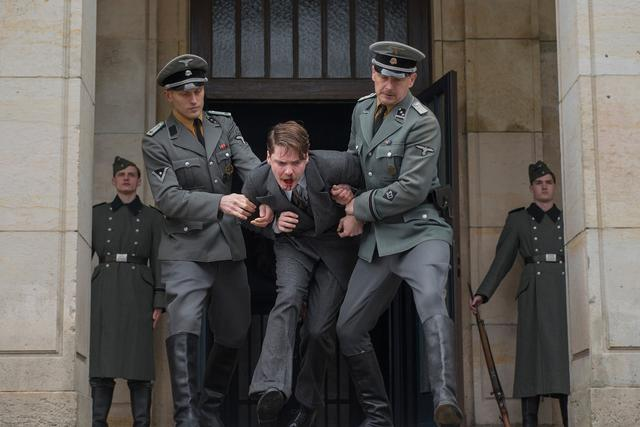 画像6: © X Filme Creative Pool GmbH / Master Movies / Alone in Berlin Ltd / Pathé Production / Buffalo Films 2016