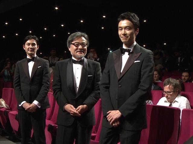 画像: 左より松田龍平、黒沢清監督、長谷川博己
