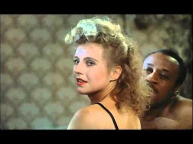 画像: The Marriage of Maria Braun, Fassbinder, Trailer 1979 youtu.be
