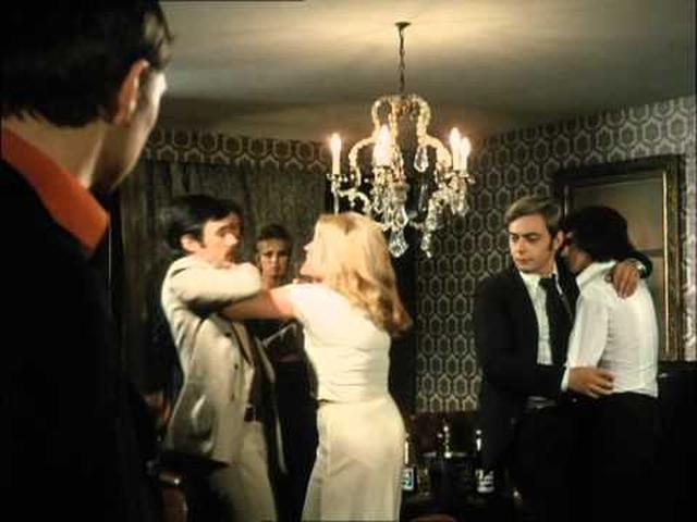 画像: Fox and His Friends (1975) trailer - Rainer Werner Fassbinder youtu.be