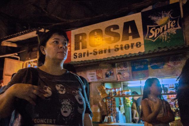 画像1: 「雑貨を売る。麻薬を売る。それが日常。」そんなスラムの闇をフィリピンの鬼才ブリランテ・メンドーサ監督が描いた『ローサは密告された』予告!