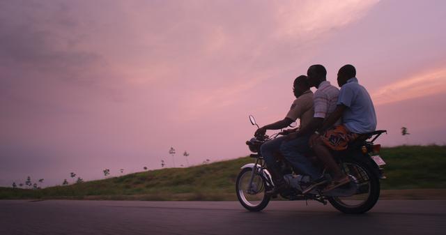 画像1: ベルリン、カンヌが惚れた若手日本人監督と、 制作中に病死した天才カメラマンによる心魂のフィルム!