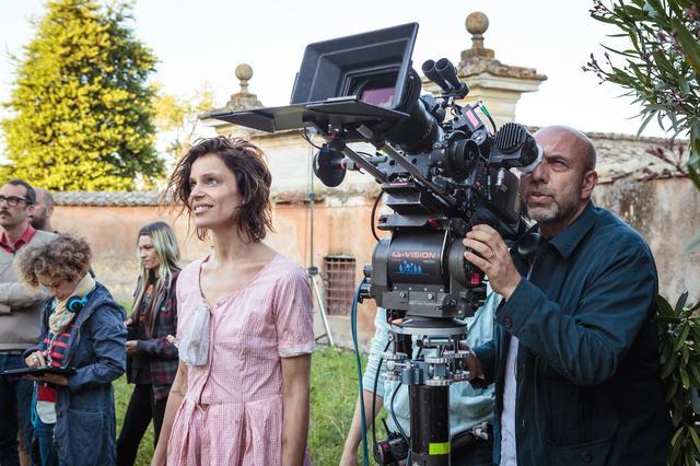 画像2: イタリア版アカデミー賞で5部門受賞!人生は悲しくて、でも愛おしい-最高の友情を手にした女たちの人生賛歌『歓びのトスカーナ』メイキング写真!