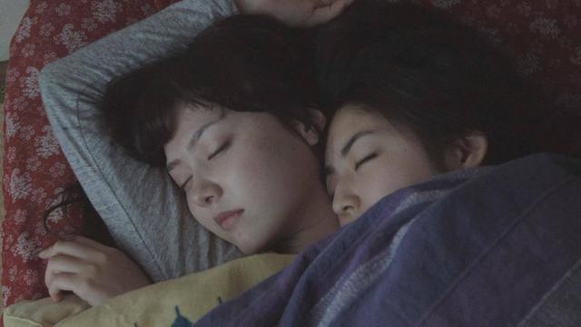 画像2: 若いレズビアンカップルの心の変遷を描いた青春ドラマ、『Starting Over』!