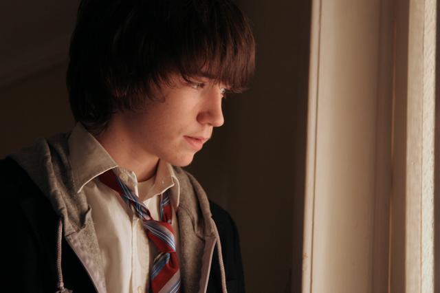 画像: LIAM AIKEN AS NED IN FAY GRIM BY HAL HARTLEY (2006) リーアム・エイケン(ネッド役)『フェイ・グリム』より Ⓒ POSSIBLE FILMS, LLC