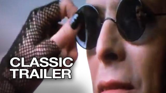 画像: The Hunger Official Trailer #1 - Susan Sarandon Movie (1983) HD youtu.be