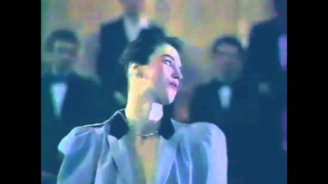 画像: Isabelle Adjani - Beau oui comme Bowie (1983) - Son HQ! youtu.be