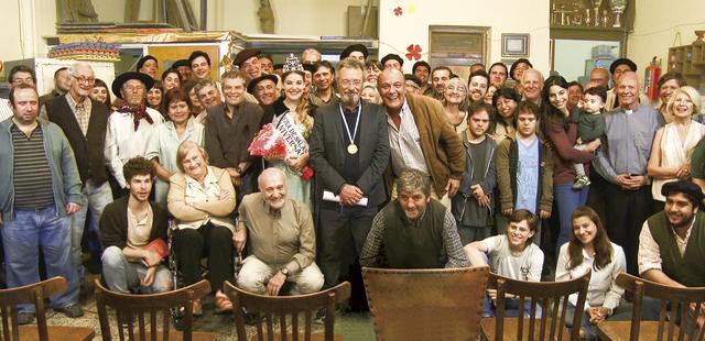 """画像1: 「ル・コルビュジエの家」で""""アルゼンチン映像界の風雲児""""と呼ばれた監督達と「人生スイッチ」オスカル・マルティネス主演の『笑う故郷』日本公開!"""