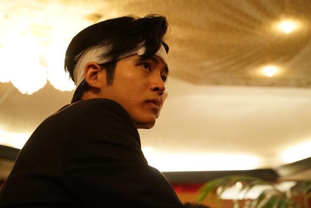 画像: 松坂桃李 (c)2018「孤狼の血」製作委員会