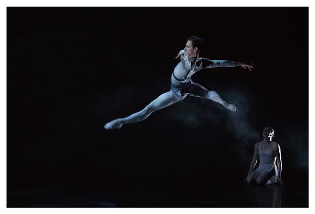 画像2: 『ダンサー、セルゲイ・ポルーニン 世界一優雅な野獣』公開を記念してハービー・山口撮り下ろしの写真集発売&展覧会も同時開催が決定!