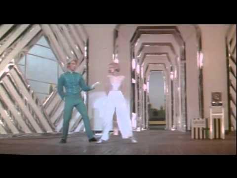 画像: The Boy Friend (1971) Theatrical Trailer youtu.be