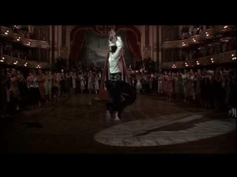 画像: 『ヴァレンティノ』予告編 VALENTINO trailer youtu.be
