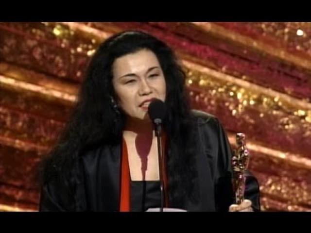 画像: Bram Stoker's Dracula Wins Costume Design: 1993 Oscars youtu.be