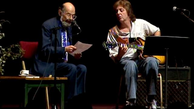 "画像: Allen Ginsberg and Paul McCartney playing ""A Ballad of American Skeletons"" youtu.be"
