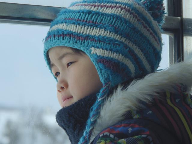 画像: 古川鳳羅くん コメント えいがのおまつりでしょうをとれていいきもちになりました。青森にもそのえいががきてくれ ればいいなと思います。つぎに世かいじゅうの人にみてもらってうれしいです。(原文ママ) ©2017 MLD Films
