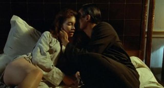 画像: http://rarefilm.net/l-amant-the-lover-1992-jean-jacques-annaud-jane-march-tony-ka-fai-leung-frederique-meininger-biography-drama-romance-erotic/