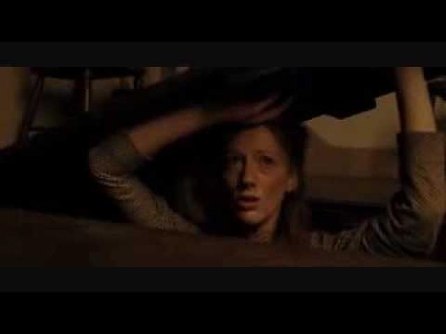 画像: The Village (2004) (Trailer) youtu.be
