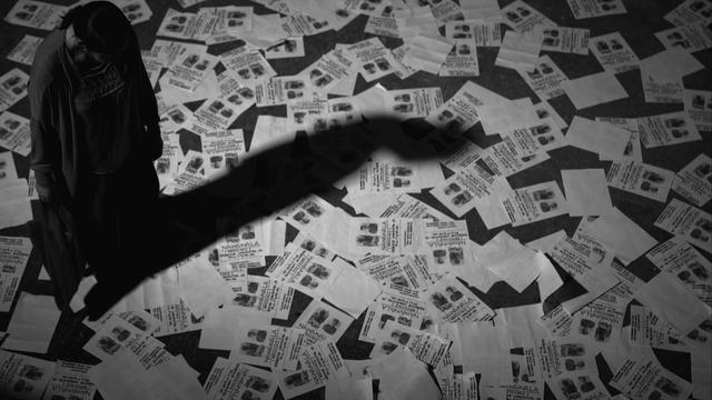 """画像: """"怪物的映画作家""""ラヴ・ディアス『立ち去った女』特報「女は何処に向かうのか」編 youtu.be"""