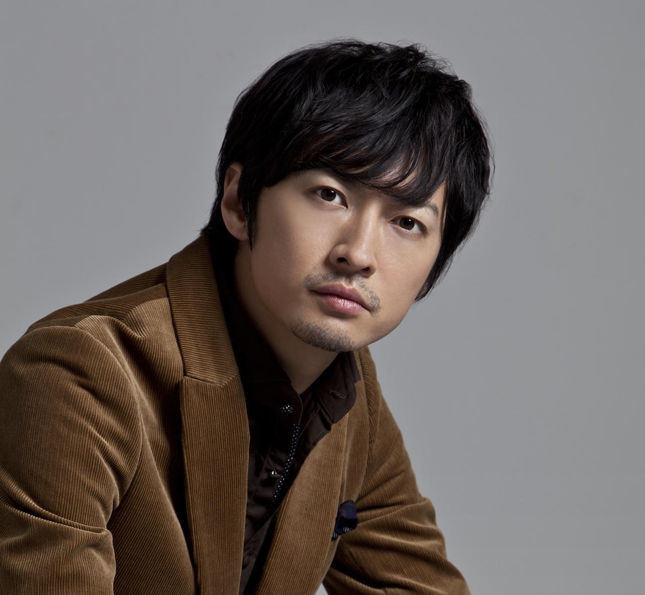 画像: 渋江譲二(しぶえ・じょうじ) 1983年3月15日生まれ。 長野県出身。2003年にドラマ『美少女戦士セーラームーン』タキシード仮面役でデビュー。 主な出演作はEX『仮面ライダー響鬼』(2005)、TBS『砂時計』(2007)、NTV『ホタルノヒカリ』(2007)、映画『クロサワ映画』(2010)、『ふるさとがえり《主演》』(2011)など。2017年1月より放送のAbemaTV『特命係長 只野仁』へレギュラー出演が決定している。 公式ブログ『矛盾の男』 http://yaplog.jp/shibue-jouji/ 公式Twitter @shibue0315