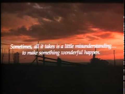 画像: The Milagro Beanfield War Official Trailer #1 - John Heard Movie (1988) HD youtu.be