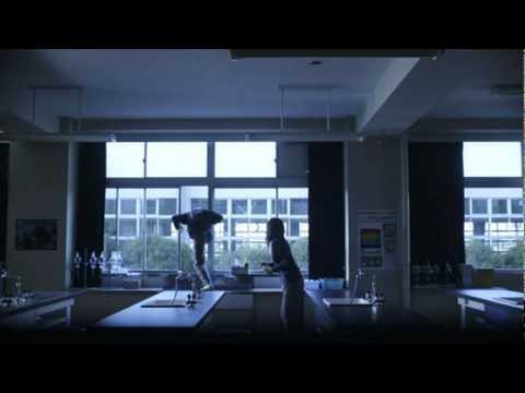 画像: 映画「告白」予告編2 youtu.be
