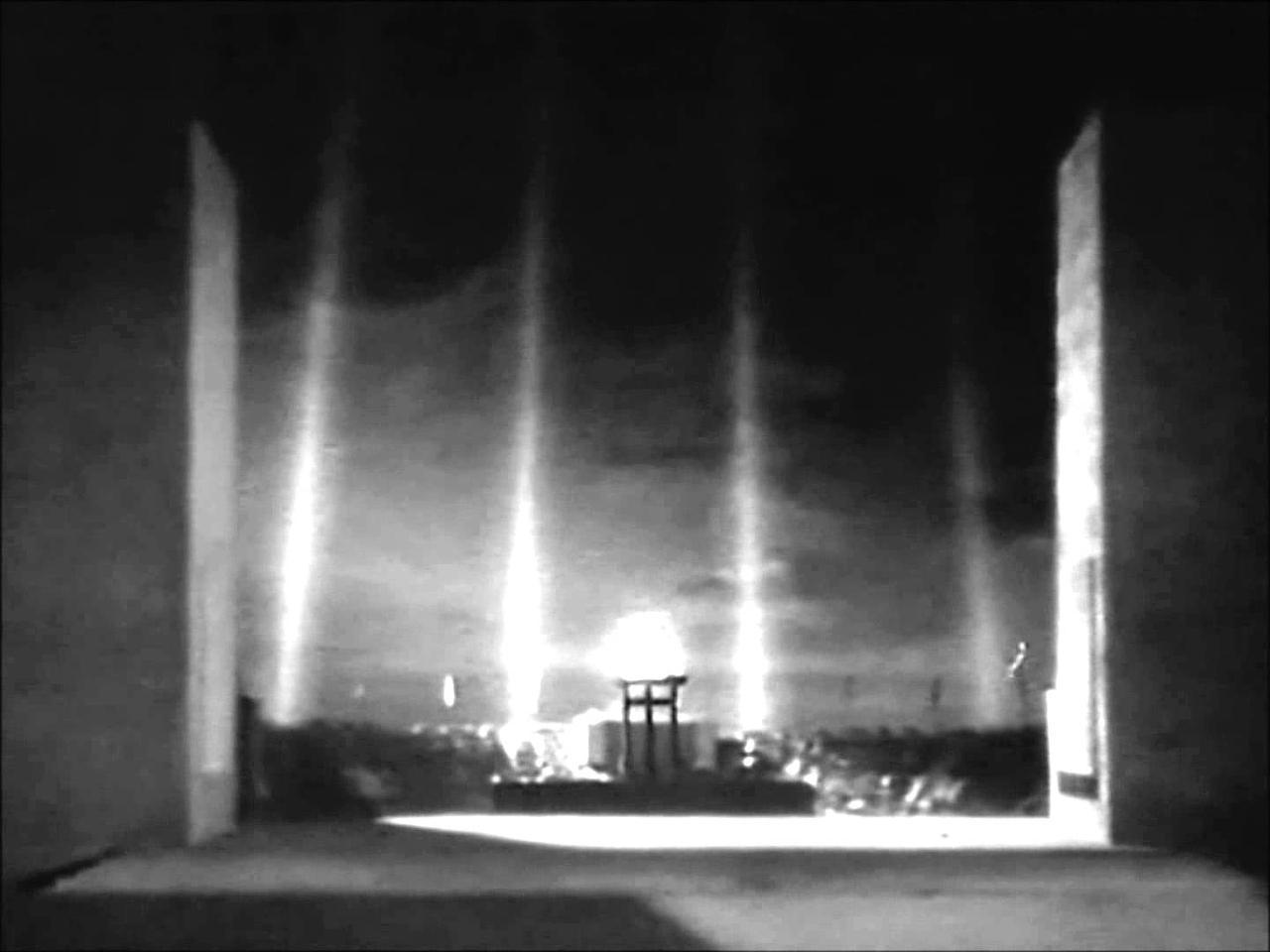 画像: Riefenstahl - Olympia - Closing Ceremony youtu.be