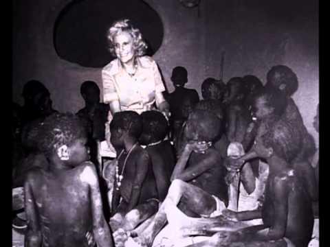 画像: Leni Riefenstahl. Ein Traum fon Afrika (The dream of Africa) Vol. 2 youtu.be