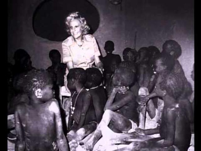 画像: Leni Riefenstahl. Ein Traum fon Afrika (The dream of Africa) Vol. 2 youtu.be